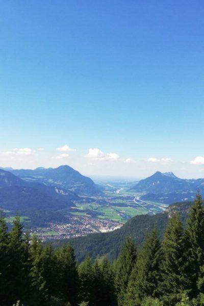 Natur-Panorama-Stadt-Job-Gesundheits-Krankenpfleger-Altenpfleger-Bayern