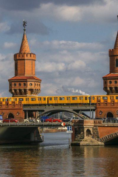 Jobs-Stellenangebote-Berlin-Oberbaumbrücke-U-Bahn-Tram-Spree-PB